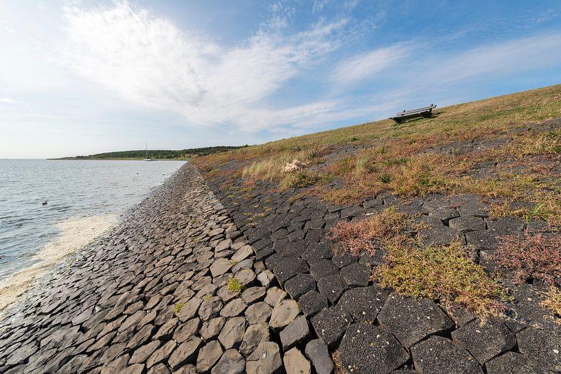 Waddendijk op het Waddeneiland Vlieland van Tonko Oosterink