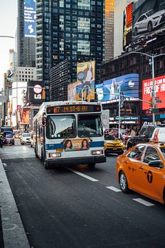 Bus auf dem Times Square von Bas de Glopper