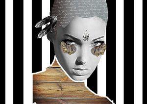 vrouw met lange wimpers en zwart witte achtergrond van