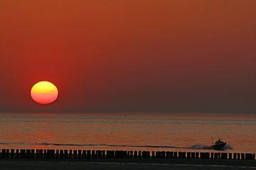 Zonsondergang in Breskens (Nederland) van Die Farbenfluesterin