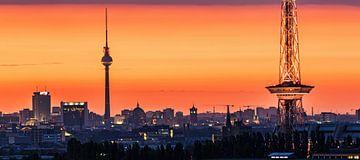 skyline van Berlijn bij zonsopgang
