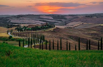 Zonsondergang in Toscane van Ralf van de Veerdonk