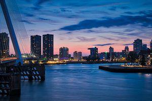 Avond skyline foto vanaf Wilhelminaplein in Rotterdam