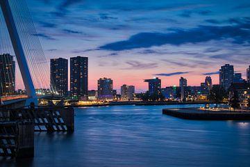 Avond skyline foto vanaf Wilhelminaplein in Rotterdam van