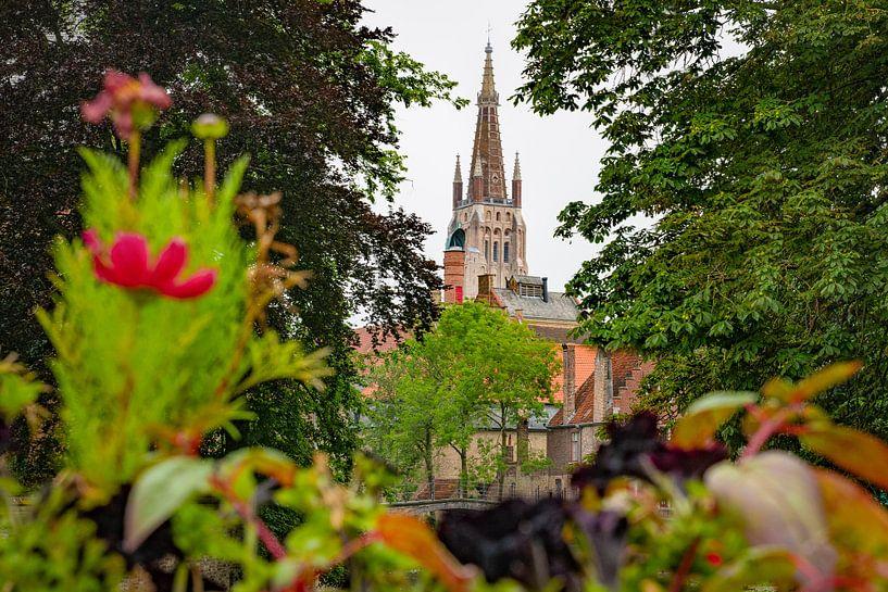 Onze-Lieve-Vrouw kerk in Brugge van Jim De Sitter