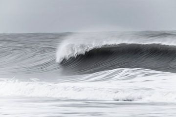 Stormachtige Noordzee van Kirsten Warner
