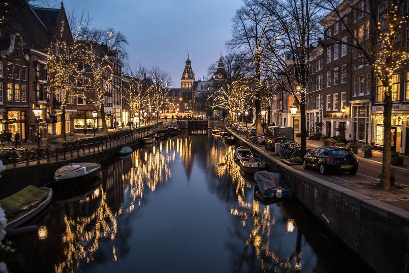 De Nieuwe Spiegelgracht van Amsterdam van Annelies Martinot