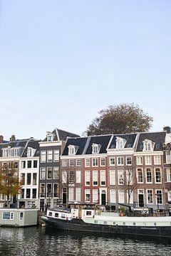 Kleurrijke grachtenpanden in Amsterdam | Nederland | Architectuur van Mirjam Broekhof