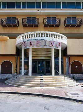 Urbex Casino Curacao van Atelier Liesjes