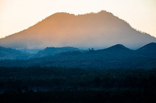 Zonsopkomst Ijen - Oost-Java, Indonesië van Martijn Smeets