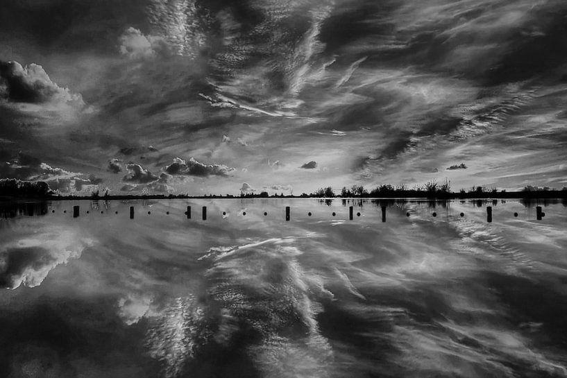 S/W Sonnenuntergang, Vianen, Niederlande von Maarten Kost