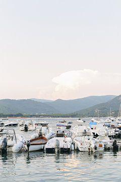 Bootjes Elba eiland | Toscane | Italië | Oceaan | Zee | Reisfotografie van Mirjam Broekhof