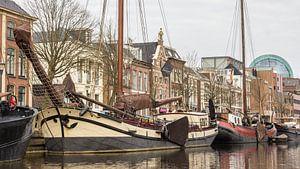 Zicht op Leeuwarden vanaf het water van