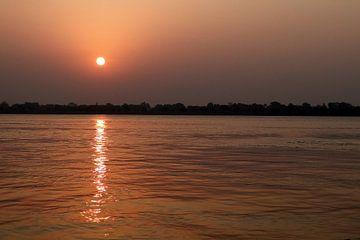 Sonnenuntergang am Ganges von Melanie Jäger