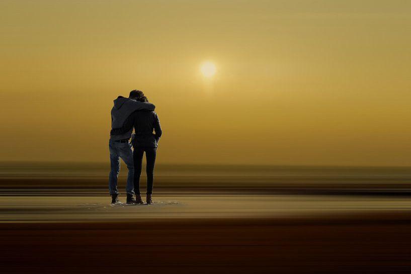 Minimalismus - Paar am Strand von Peter Roder