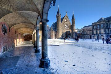 Binnenhof in de sneeuw van Jan Kranendonk