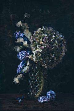 Nature morte des fleurs sur From My Eyes