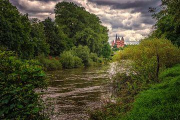 Gezicht op Limburg (aan de rivier de Lahn ) van Friedhelm Peters