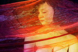 Jonge vrouw in doek van Han de Bruin