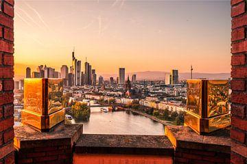 Frankfurt am Main van bovenaf met gouden kantelen op de voorgrond van Fotos by Jan Wehnert