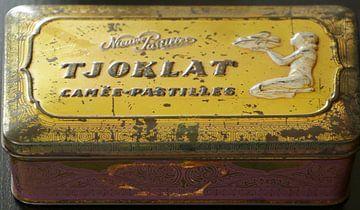 Tjoklat nostalgische chocolade doos van Cora Unk