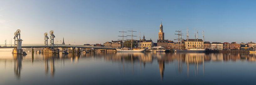 Kampen skyline panorama #2 van Edwin Mooijaart