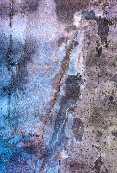 """Abstracte betonnen muur """"Figuren"""" van Sigrid Klop"""