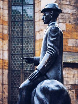 Praag - Franz Kafka Monument van Alexander Voss