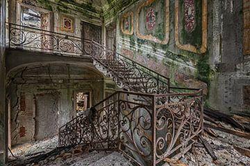 Lost Place - das grüne Treppenhaus von Linda Lu