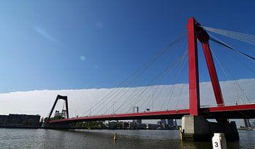 Panorama van de Willemsbrug over de Nieuwe Maas in Rotterdam van Robin Verhoef