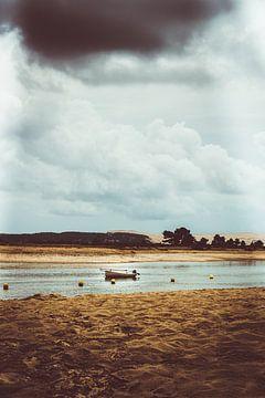 Vissersbootje voor anker sur Edzard Boonen