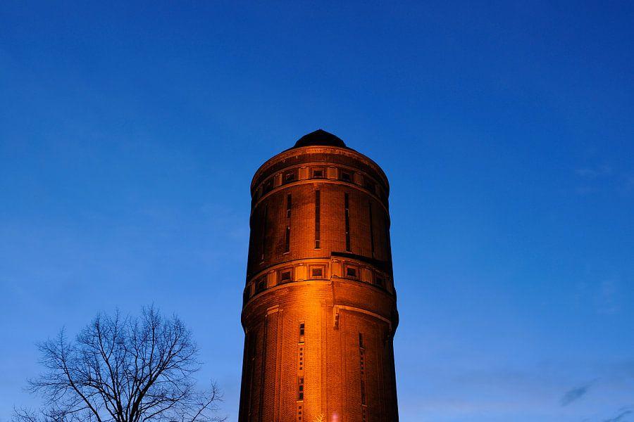 Watertoren aan de Amsterdamsestraatweg in Utrecht van Donker Utrecht