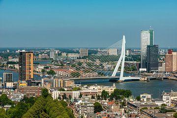 Rotterdam met de Erasmusbrug van
