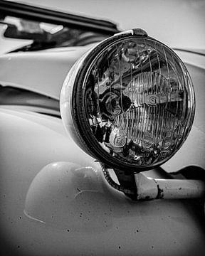 Der schöne Scheinwerfer eines hässlichen Entchens. von Jeroen Beemsterboer
