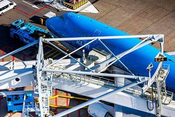KLM Boeing 747 aan de gate op Schiphol van Jeffrey Schaefer