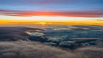 Lenticularis bij zonsondergang van Denis Feiner