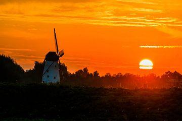 De windmolen en de zon van Christel Stevens