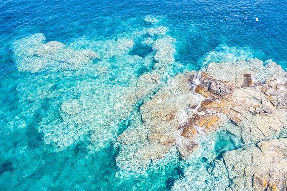 Rotsplateau kust Sardinië