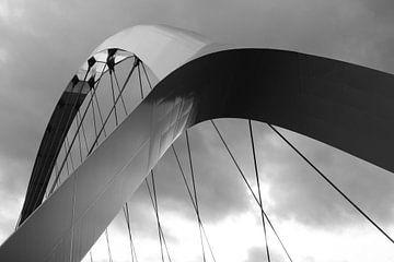 """Detail der Brücke """"Crossing""""in schwarz-weiß von Anne Ponsen"""