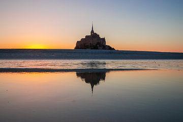 Mont Saint-Michel gouden uur van Jacky van Schaijk