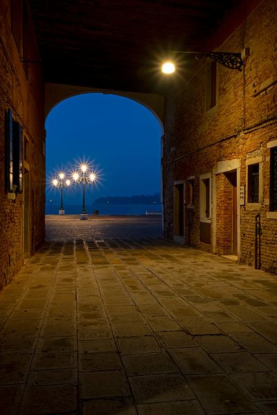 Durchgang in Venedig von Andreas Müller