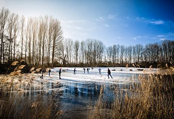 Winterpret op de ijsbaan, heerlijk schaatsen