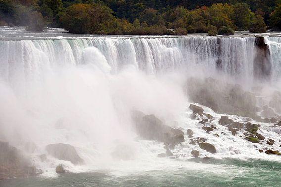Niagara Falls, gezien vanuit Canada van Paul van Baardwijk