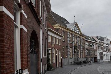 Straat in Bergen op Zoom van Kim de Been