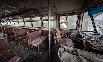 Oude vintage bus van Inge van den Brande