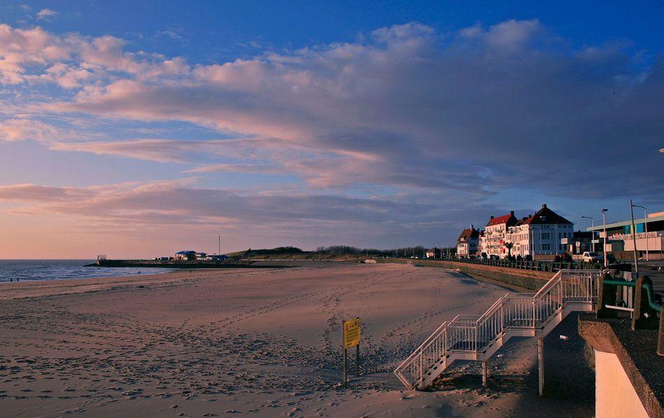 Voetsporen op het strand van Vlissingen