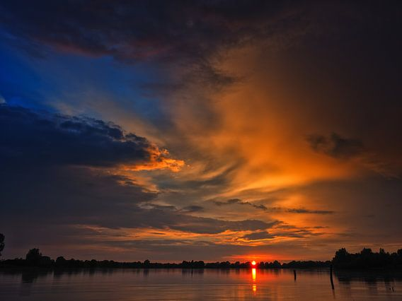 Burning sky van Lex Schulte