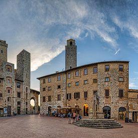 San Gimignano - Piazza della Cisterna von Teun Ruijters