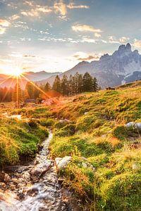 """Berglandschap """"Zonsondergang in de bergen"""" van"""