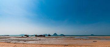 Einsamer Strand in Thailand von